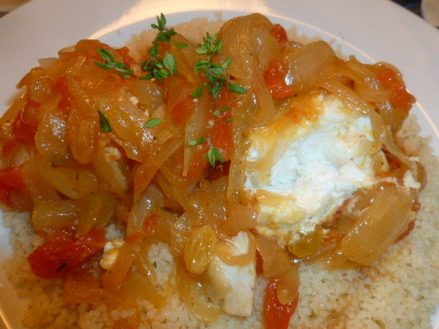 Halibut with caramelized onions, tomatoes and raisins Ronit Penso