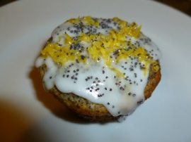 Poppy Seeds and Lemon Cupcakes Ronit Penso