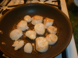 Pan Seared Scallops with Roasted Red Peppers Cream Sauce Ronit Penso